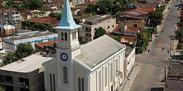 Ipiaú-BA-Matriz e parcial da cidade-Foto:Voo Audiovisual-Facebook