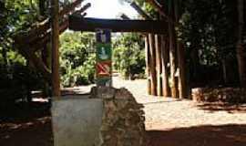 S�o Pedro do Igua�u - Portal da sa�da da Reserva Florestal Cabe�a de Cachorro em S�o Pedro do Igua�u-PR-Foto:Ricardo Mercadante
