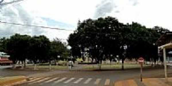 Praça principal na Avenida São Paulo em São Pedro do Iguaçu -PR-Foto:Ricardo Mercadante