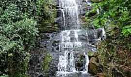São Roque - Cachoeira da Onça no Distrito de São Roque-Foto:Ricardo Mercadante