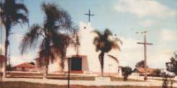 Pracinha com Igreja Catolica-  Por Marins Lemes Oliveira