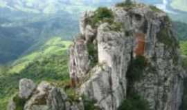 Sapopema - Pico Agudo, Por Dayhane