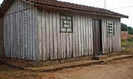 Serra dos Dourados - Casinha de madeira em Serra dos Dourados-Foto:Udson Pinho