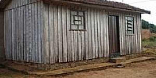 Casinha de madeira em Serra dos Dourados-Foto:Udson Pinho