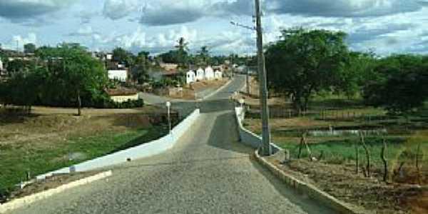 Irajuba-BA-Ponte sobre o Rio Jiquiriçá na entrada da cidade-Foto:www.DistribuidorForever.com.