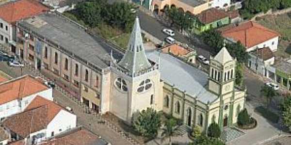 Siqueira Campos-PR-Paróquia do Divino Espírito Santo-Foto:diocesejacarezinho.org