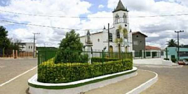 Iramaia-BA-Praça e Matriz de Santo Antônio-Foto:UPB