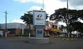 Terra Roxa - Centro da cidade  por Claudirene