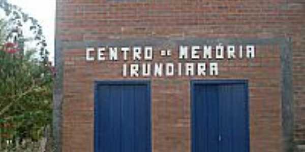 Centro Mem�ria de Irundiara-BA-Foto:Palloma, Eliana, Gisele, Zelia, Rosany, Josimeire