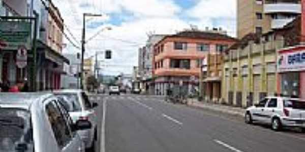 Avenida central em União da Vitória-PR-Foto:THIAGO DAMBROS