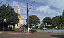 Uraí - Praça e Igreja Matriz-Foto:Agnaldo Ramos
