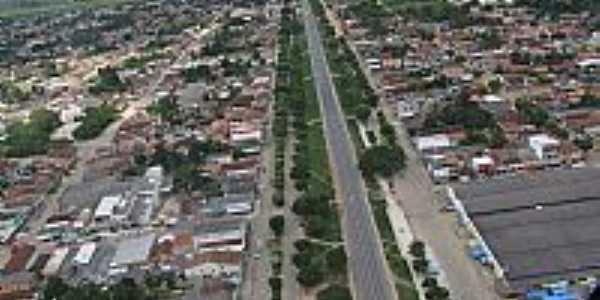 Vista aérea da Avenida central de Itabela-BA-Foto:erlancosta