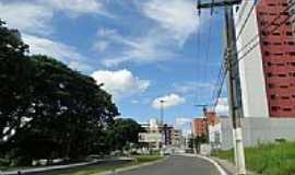 Itabuna - Praça na Avenida Azis Maron em Itabuna-Foto:cerrado