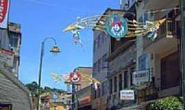 Angra dos Reis - Centro de Angra dos Reis no Carnaval-Foto:Jos� Pedro Mart�nez