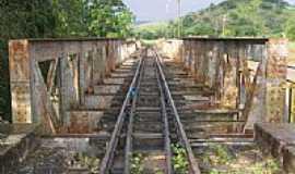 Aperibé - Ponte férrea sobre o Rio Pomba-Foto:kenio vieira rezende