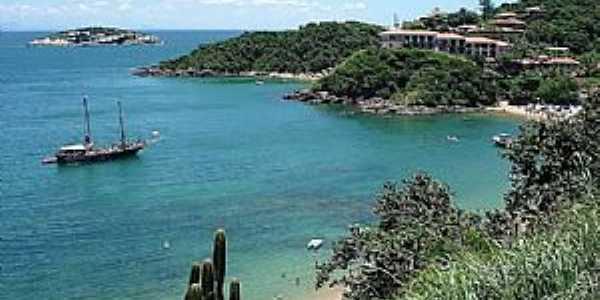 Praia de Jo�o Fernandes Parada garantida nos passeios de barco Foto: Sergio Quissak / Secom B�zios