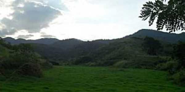 Próximo a Fazenda da Embrapa, em Barão de Juparanã.