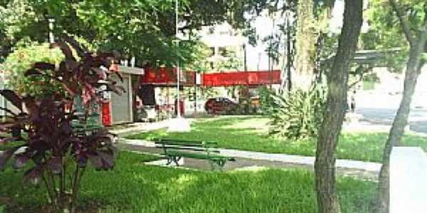 Barra do Piraí-RJ-Praça no centro-Foto:ViajanteUSBR
