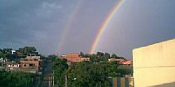 Avenida central e arco-íris em Belford Roxo-Foto:sanojo2008