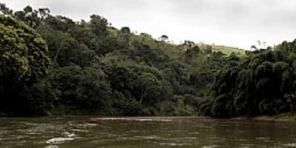Cambiasca-RJ-Rio Dois Rios-Foto: Adam Carvalho