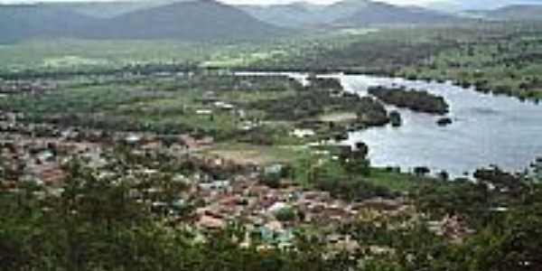 Rio Paragua�u e vista parcial da cidade de Itaet�-BA-Foto:Rodrigo Zanotelli