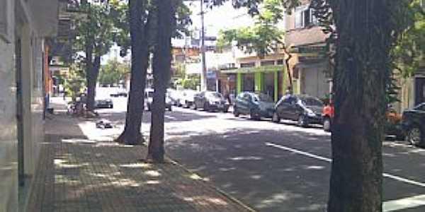 Campos Elíseos-RJ-Avenida Gulhot Rodrigues-Foto:Olhar Panorâmico