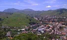 Cardoso Moreira - Vista da cidade com a Serra S�o luiz ao fundo-Cardoso Moreira-Foto:Herinelson