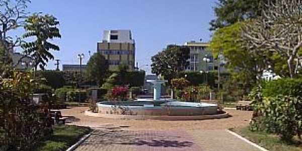 Carmo-RJ-Chafariz na Praça Getúlio Vargas-Foto:Raymundo P Netto