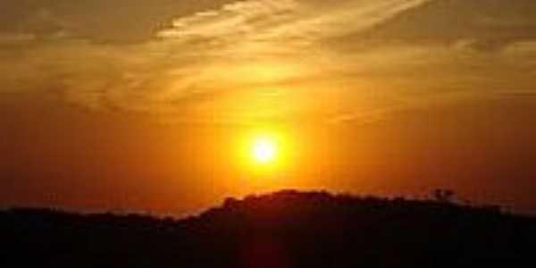 Pôr do Sol na Vila de Cava-Foto:HesimaRuth