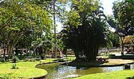 Conceição de Macabu - Lago na Praça José Bonifácio Tassara em Conceição de Macabu-Foto:Petter Entringer