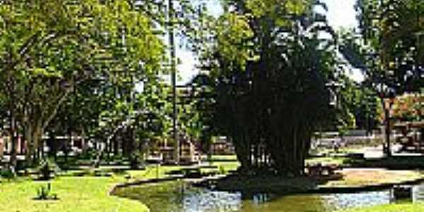Lago na Praça José Bonifácio Tassara em Conceição de Macabu-Foto:Petter Entringer