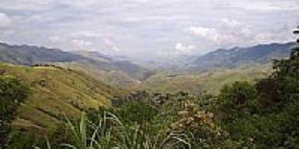 Montanhas na região de Conrado-Foto:EdsonRibeiro