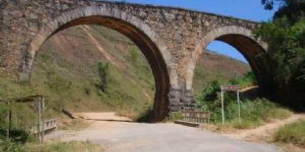 Ponte dos Arcos, Por eloisa elena machado dos santos
