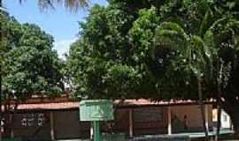 Itagua�u da Bahia - Pra�a principal de Itagua�u da Bahia-BA-Foto:MANUEL ANT�NIO