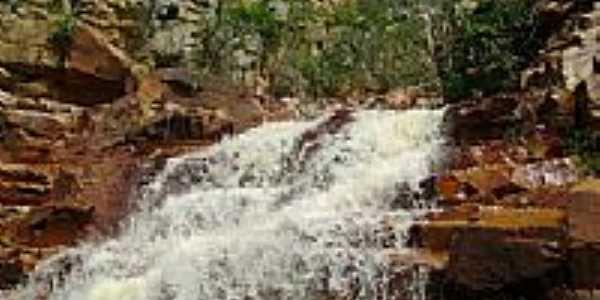 Cachoeira do Cokeiro em Itaguaçu da Bahia-BA-Foto:Marcondes Braga