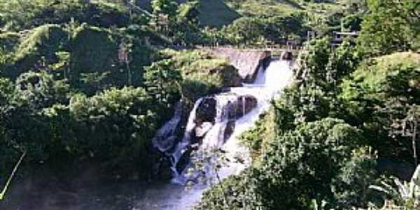 Glicério-RJ-Cachoeira do Roncador-Foto:Duan Siqueira