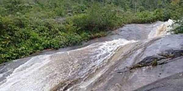 Glicério-RJ-Cachoeira do Tobogã-Foto:Duan Siqueira