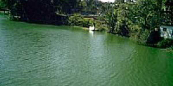 Lago de javary por Tony Borrach