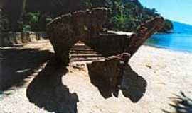 Itacuruça - Ruina de barco histórico