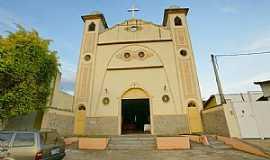Itaperuna - Igreja do Sagrado Coração de Jesus, Itaperuna - Por sgtrangel