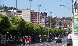 Itaperuna - Avenida de Itaperuna - por Daniel e  Aleandra