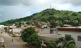 Itaperuna - Itaperuna-RJ-Vista parcial da cidade e o Morro do Cristo-Foto:matheus marra
