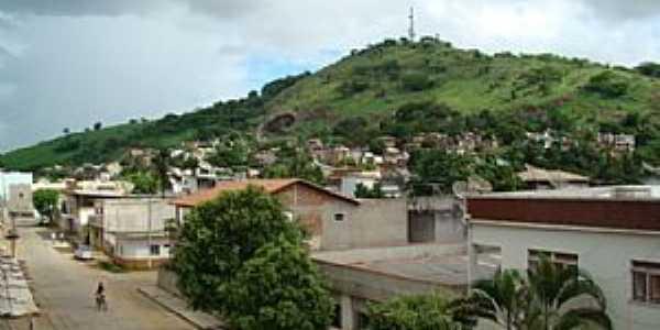 Itaperuna-RJ-Vista parcial da cidade e o Morro do Cristo-Foto:matheus marra