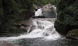 Itatiaia - Itatiaia-RJ-Cachoeira Itaporani no Parque Nacional-Foto:Thiago Baiões