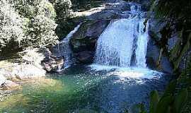 Itatiaia - Itatiaia-RJ-Cachoeira Poranga no Parque Nacional-Foto:Thiago Baiões
