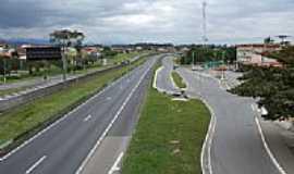 Itatiaia - Rodovia Presidente Dutra em Itatiaia-Foto:ltalds