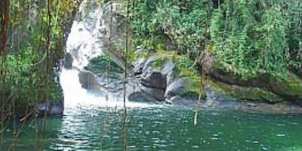 Itatiaia-RJ-Cachoeira Maromba no Parque Nacional-Foto:Thiago Baiões