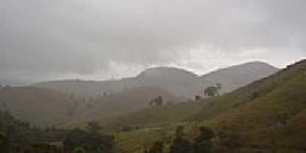Chuva na Montanha foto por Andre Alvim(Xôxô)