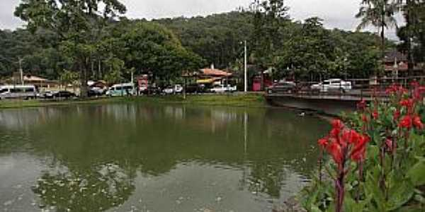 Lumiar-RJ-Lago no centro da cidade-Foto:novafriburgo.rj.gov.br