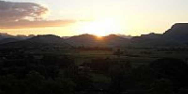 Por do sol por Carlos Edward